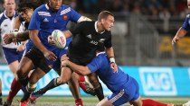 Aaron-Cruden-looks-to-offload-